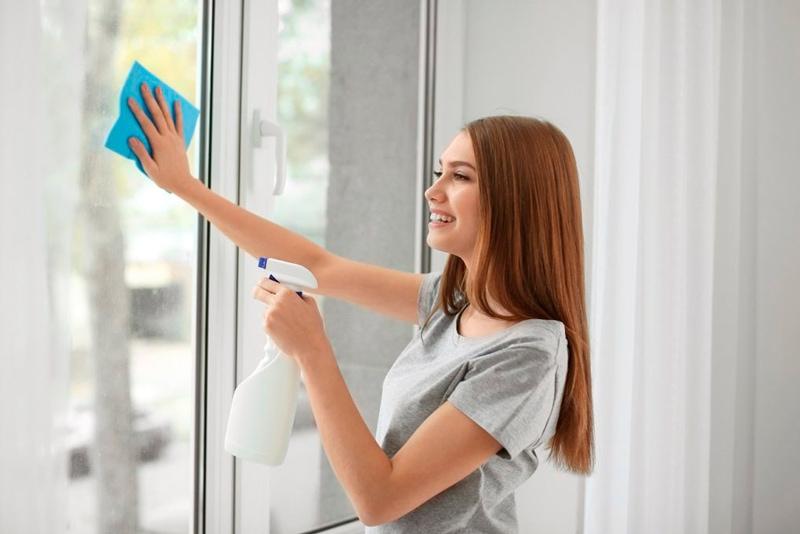 Mantener y limpiar ventanas de PVC