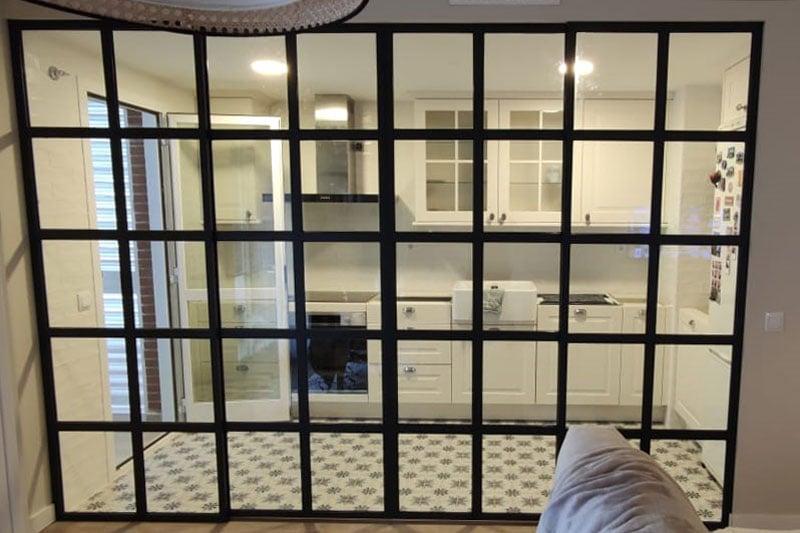cerramiento de aluminio en interiores