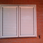 contraventanas regulables
