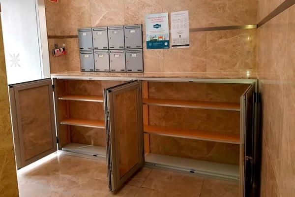 armario de aluminio y mármol