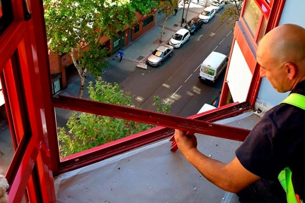 sustitución de miradores de aluminio