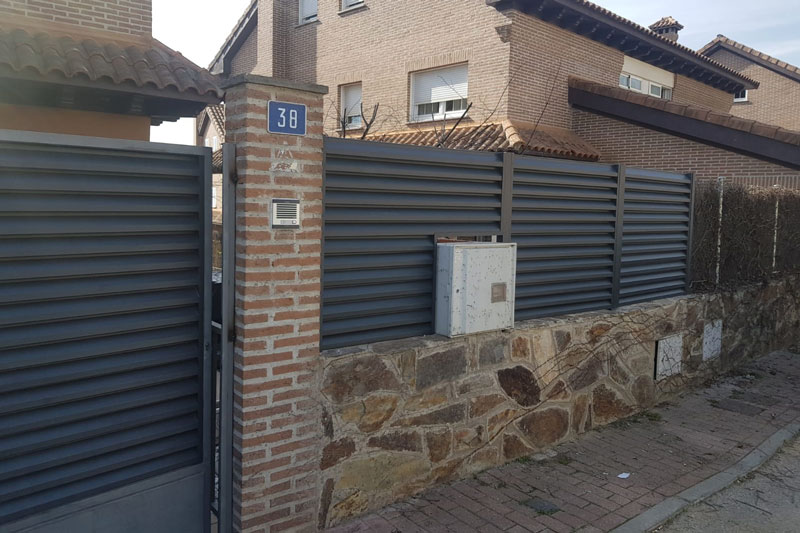 vallas de aluminio en la comunidad de Madrid